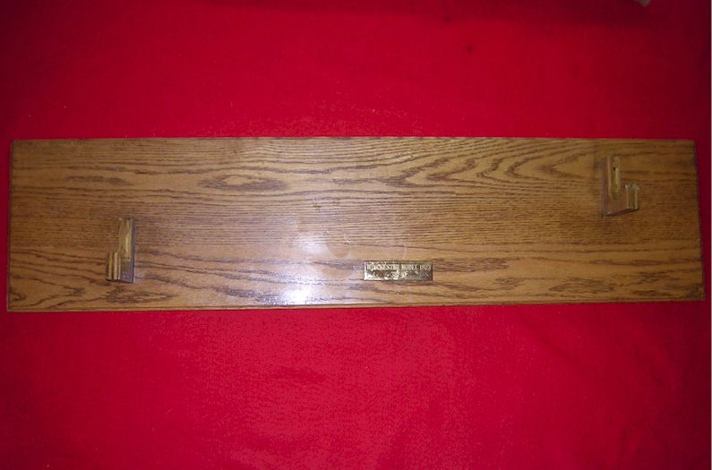 Gun Mounting wood placque